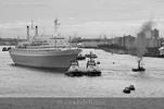 Thumbnail SS Rotterdam Arrival in Rotterdam (2008)